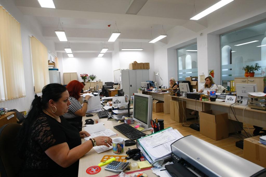 Specialiștii Direcției de Urbanism sunt la etajul 2