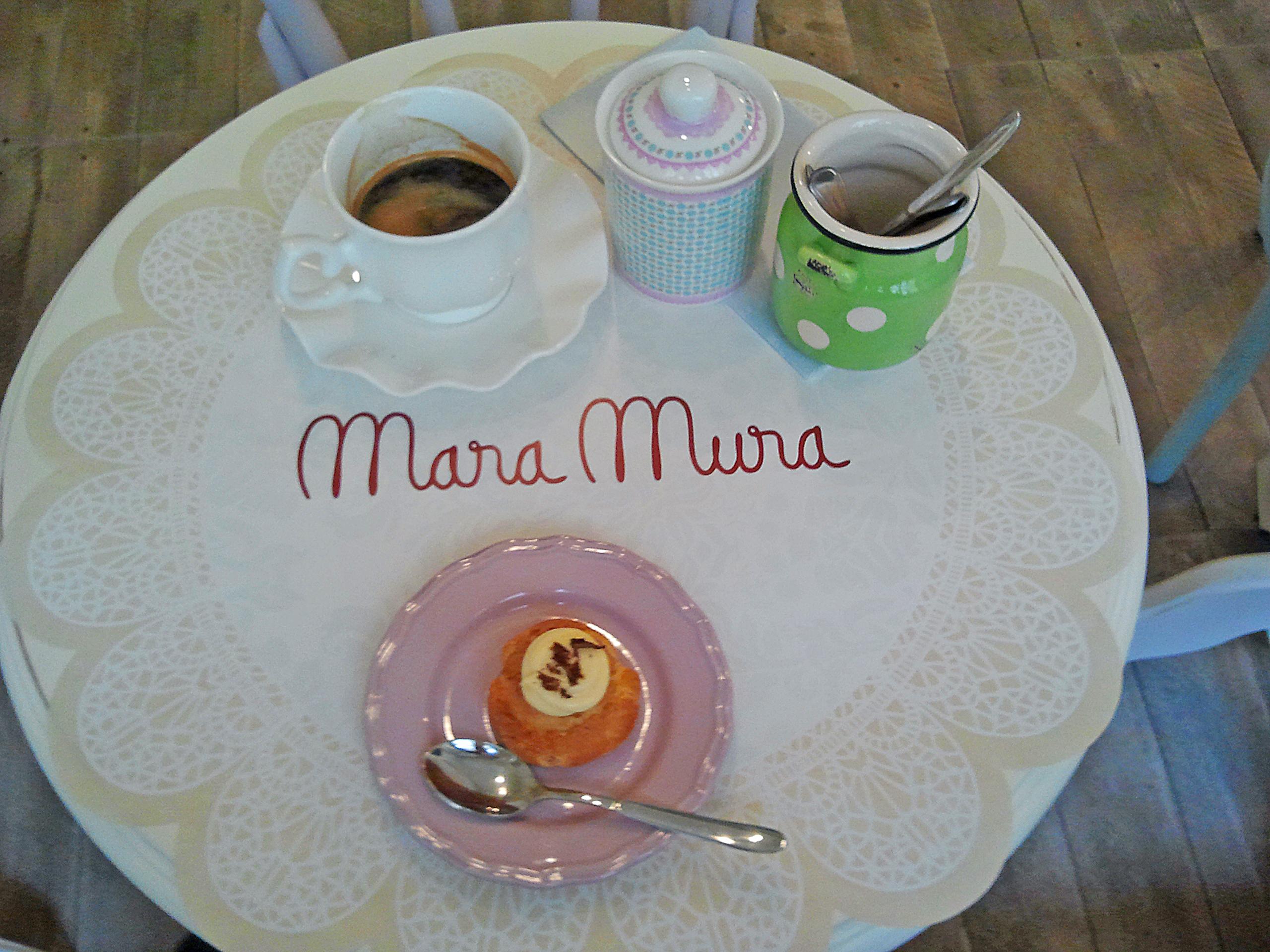 Espresso lung și choix-a-la-creme = 17 lei. foto: danbrumar.ro