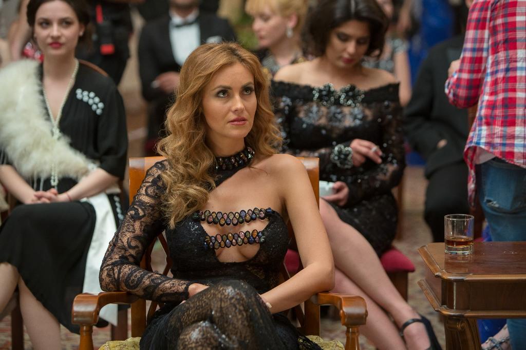 Ana Maria Pop o interpretează pe Sarah