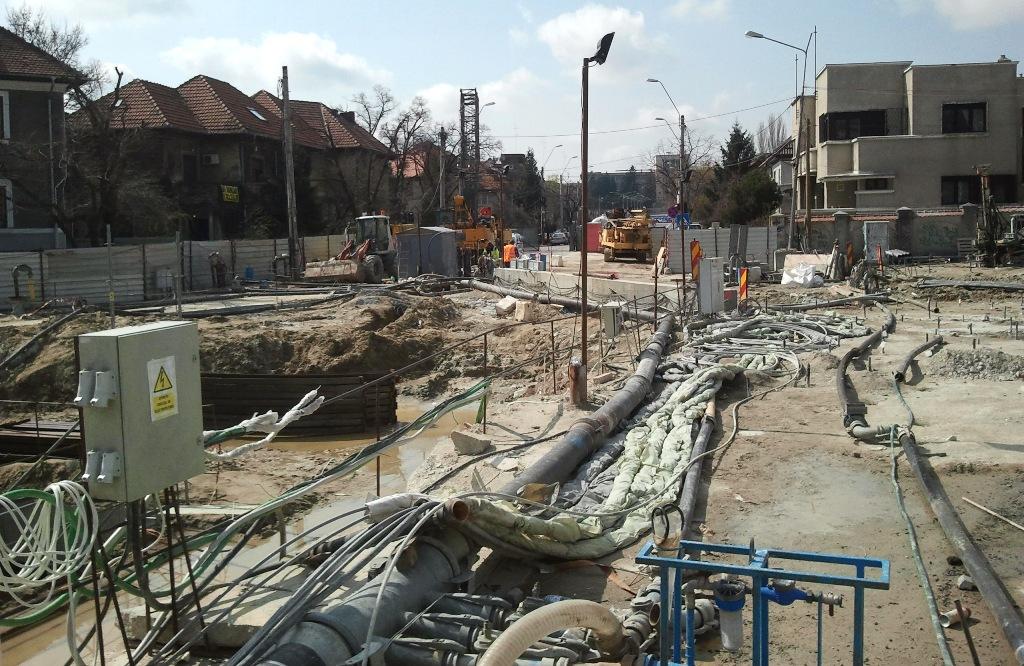 Pe bulevardul Eroilor Astaldi mai are de lucru. Foto: danbrumar.ro