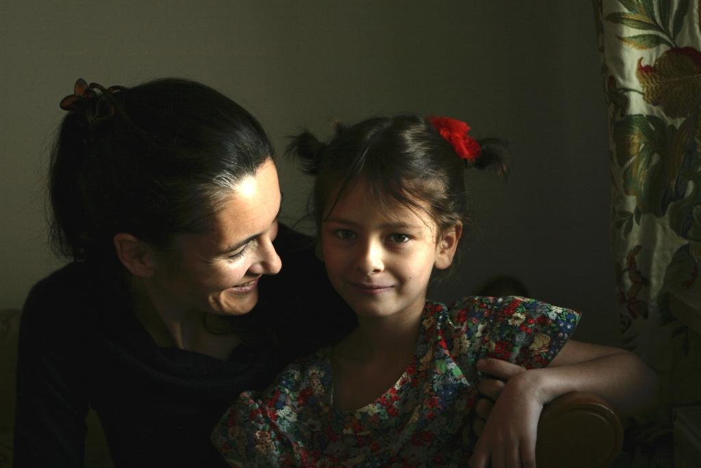 Clotilde, împreună cu una dintre fetele sale
