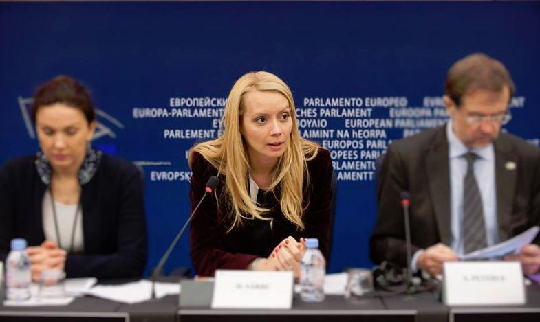 Daciana Sârbu este vicepreședinte al Comisiei pentru mediu, sănătate publică și siguranță alimentară a Parlamentului European