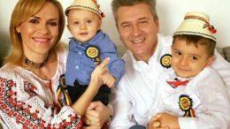 Gabriela Firea, împreună cu Zian Mihail, soțul Pandele și David Petru. Credit foto: click.ro